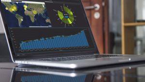 MicroStrategy 10.10_analytics-dashboard-on-glass-desk
