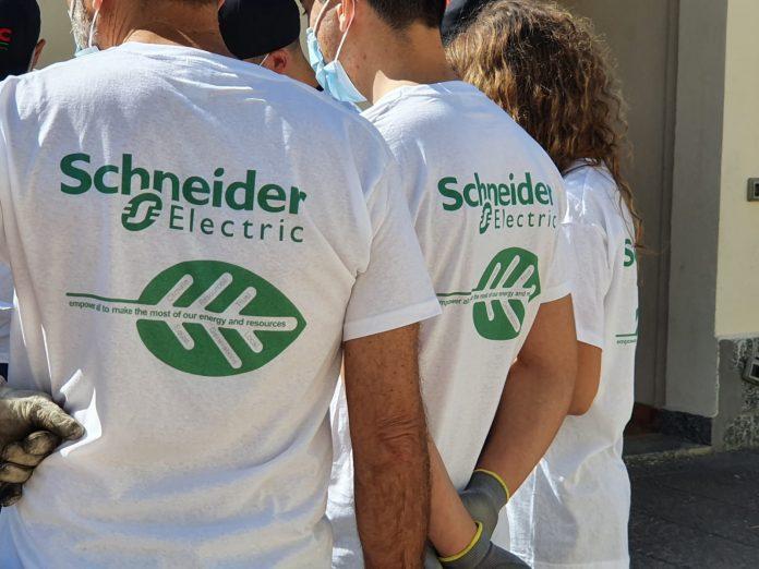 Schneider Electric sostenibilità volontari